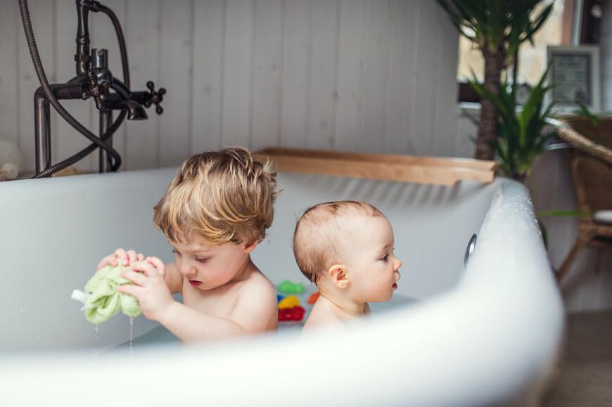 baño_niños_consumo sostenible del agua