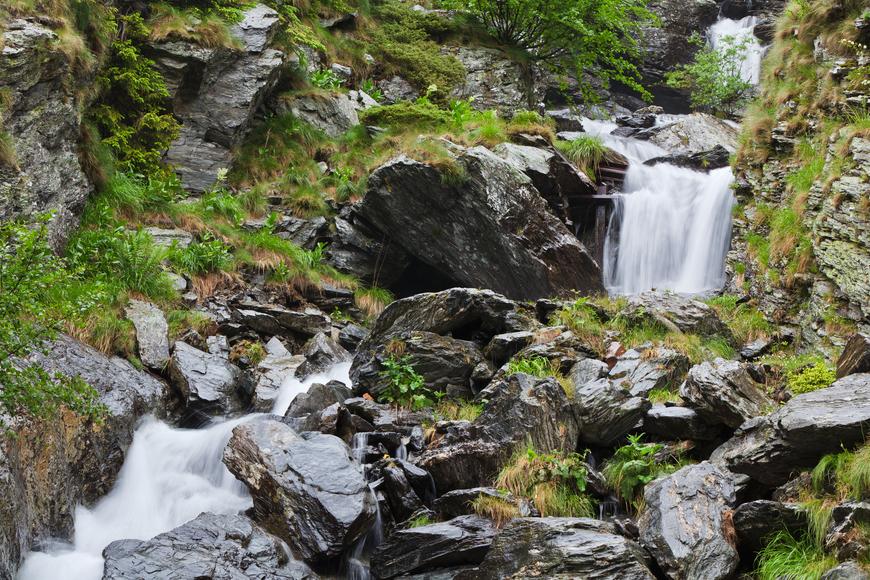 río_montaña_naturaleza